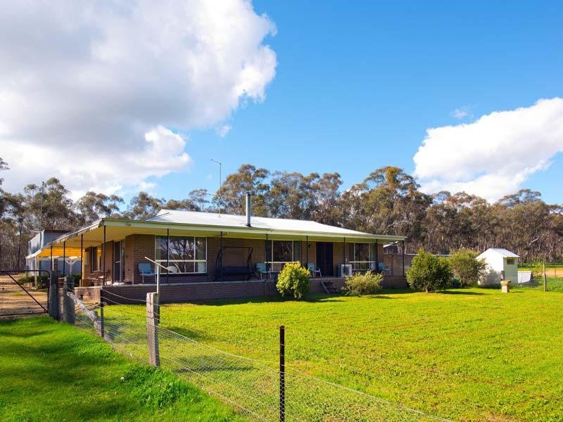 47 Llewellyns Lane, Green Gully, Vic 3462