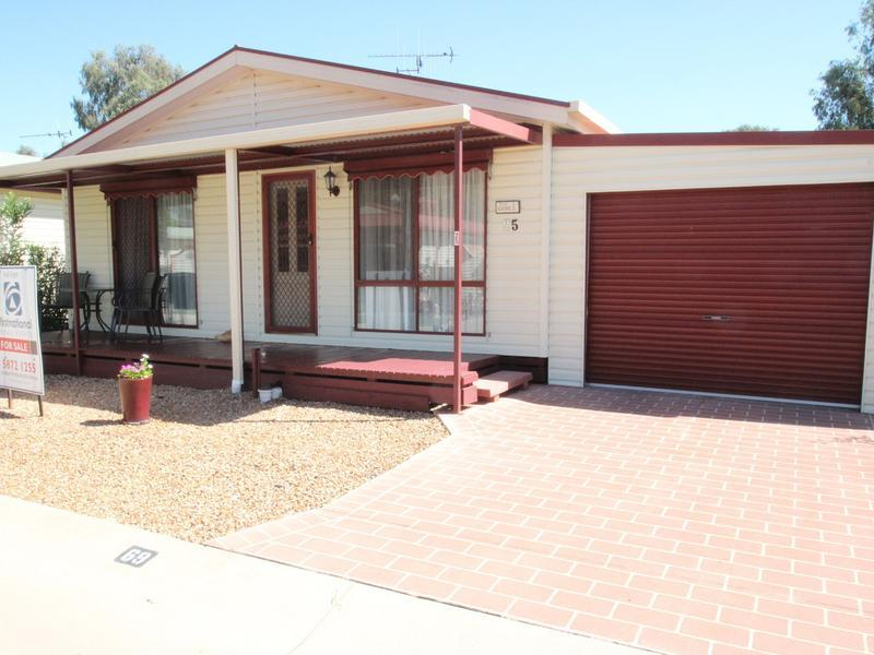 25 Lakeside Drive, Oasis Village, Cobram, Vic 3644