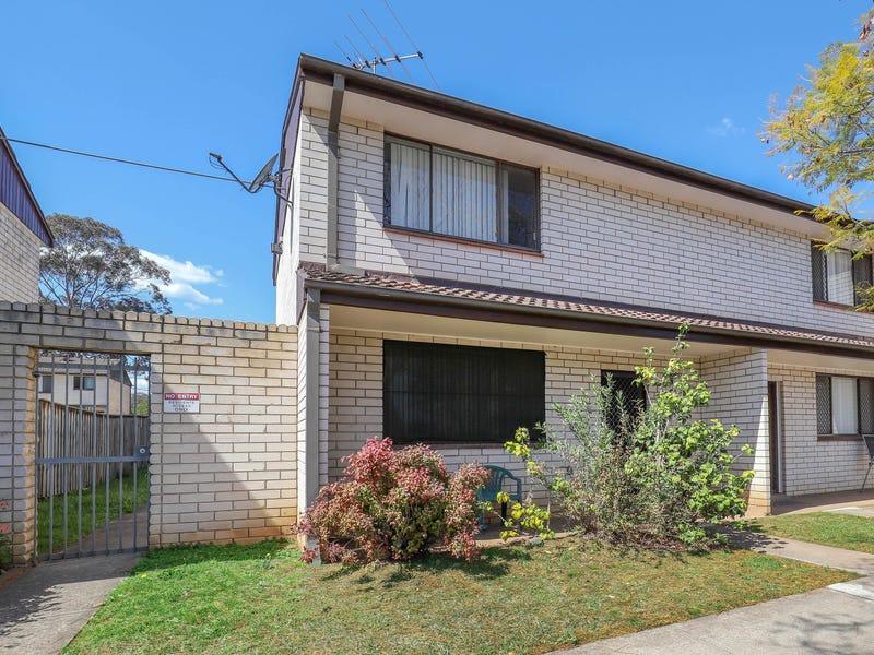 15/9-13 Surrey Street, Minto, NSW 2566
