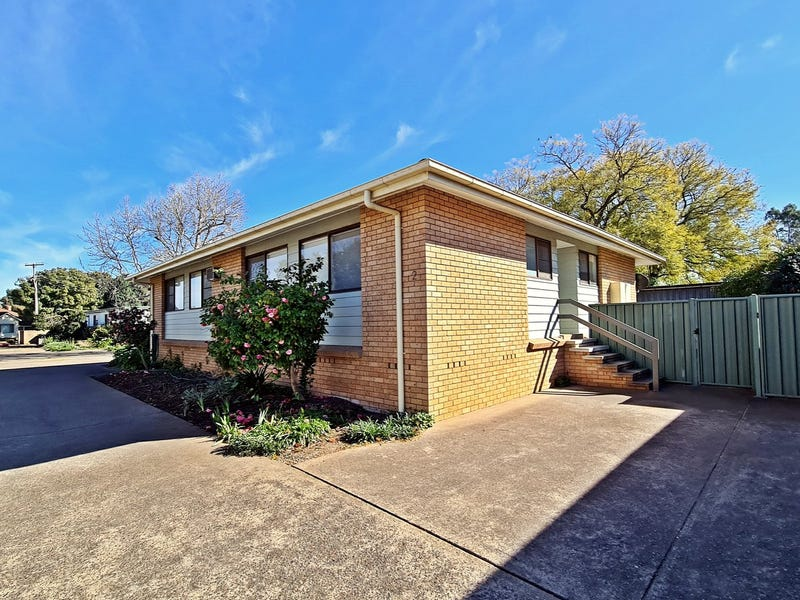 Unit 2/63 Ford Street, Muswellbrook, NSW 2333