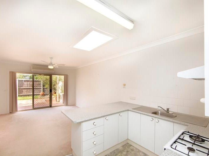 8/151 Ambleside Circuit, Lakelands, NSW 2282
