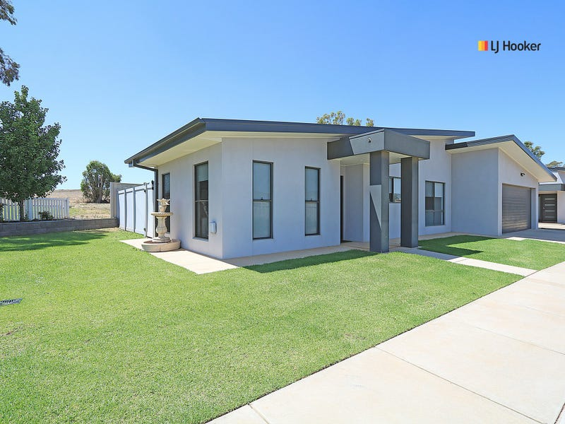 Unit 1/1 Cootamundra Boulevard, Gobbagombalin, NSW 2650