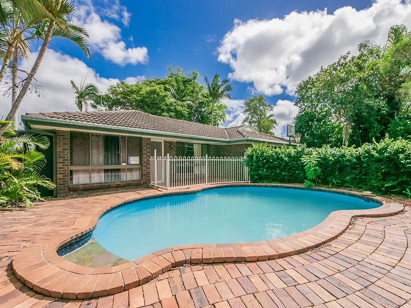 24 Grebe Place, Burleigh Waters, Qld 4220
