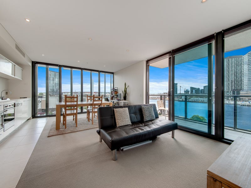 513/13 Point Park Crescent, Docklands, Vic 3008