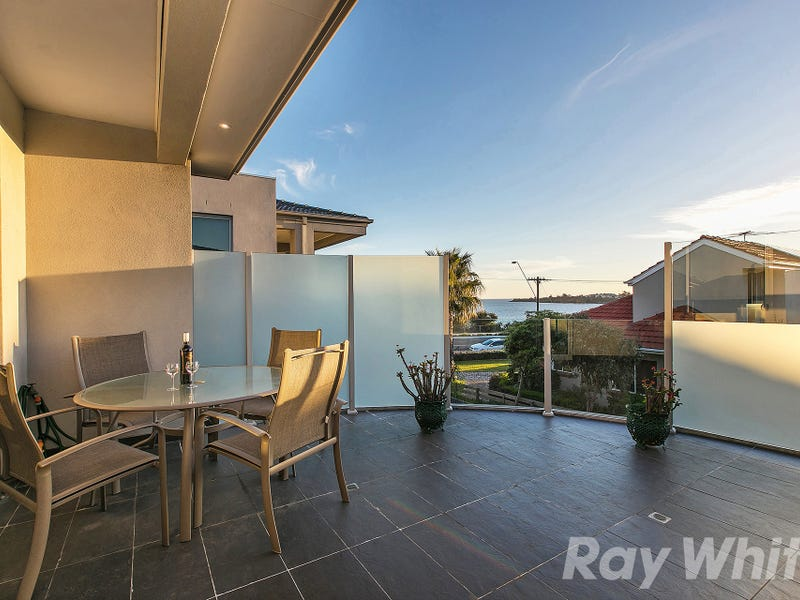 2/52 Beach Road, Mentone, Vic 3194