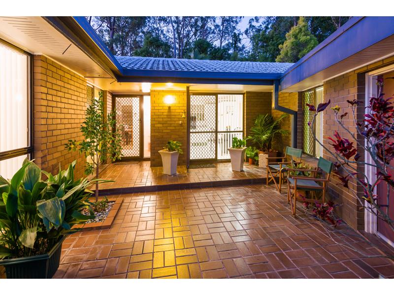 15 Cobham Street, Sunnybank Hills, Qld 4109