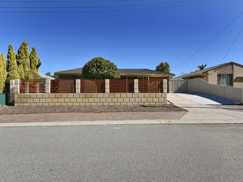 9 Wattle Mews, Hocking, WA 6065