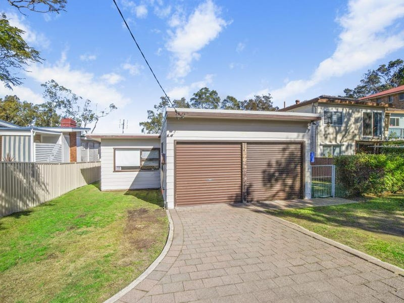 128 DIAMOND HEAD DRIVE, Budgewoi, NSW 2262