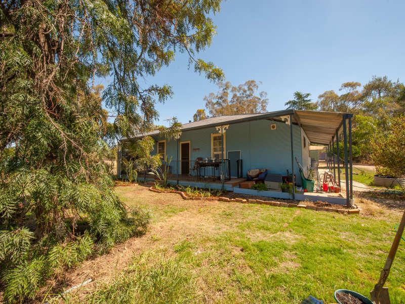 64 Howlong Road, Burrumbuttock, NSW 2642