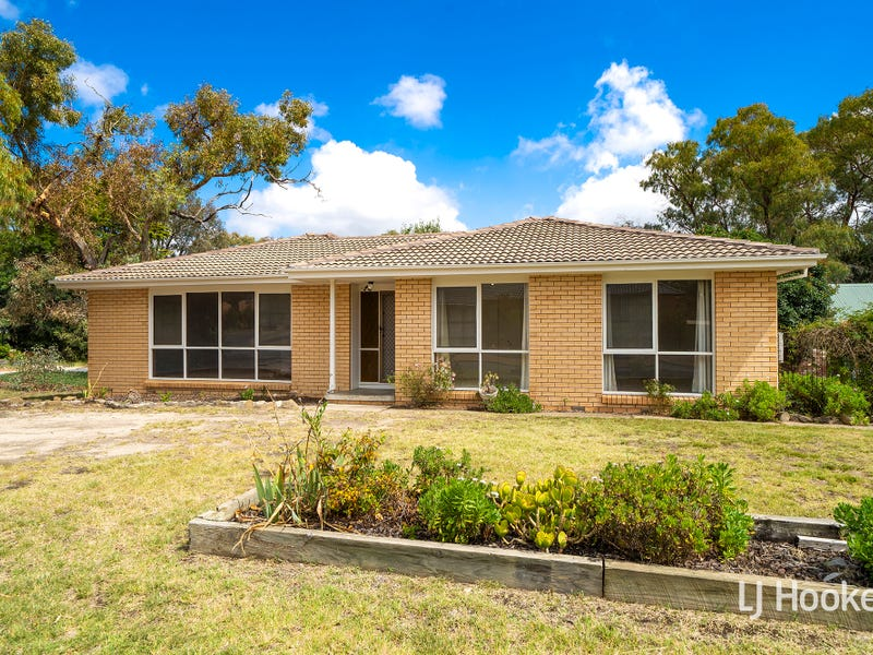 4 Mckid Court, Charnwood, ACT 2615