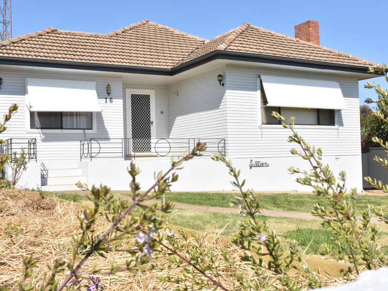 16 Taylor Road, Young, NSW 2594