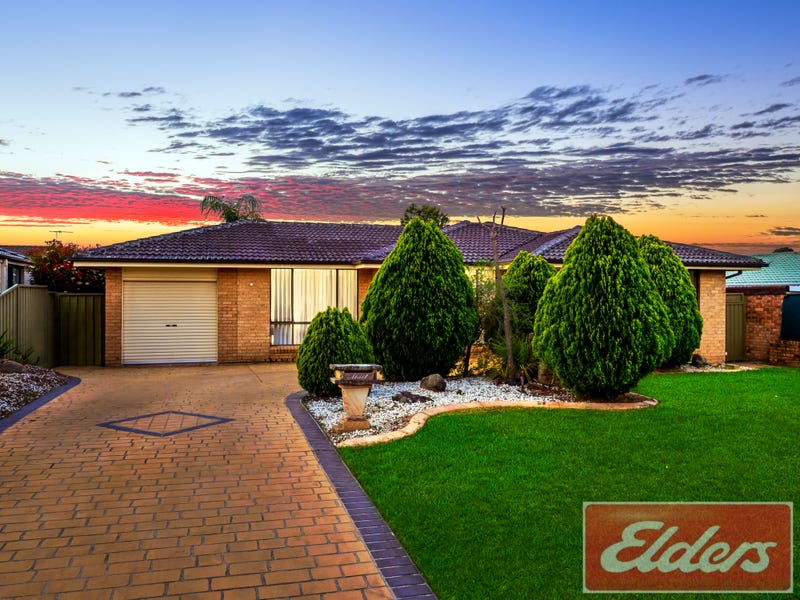 15 Stoke Crescent, South Penrith, NSW 2750