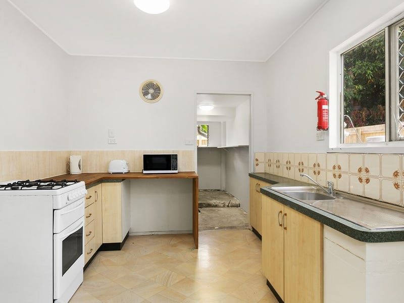 10 Gelling Street, Cairns North, Qld 4870
