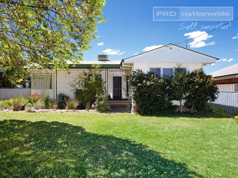 13 The Boulevarde, Kooringal, NSW 2650
