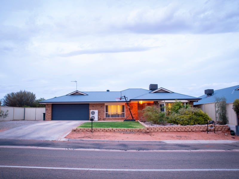 15 Planigale Drive, Roxby Downs, SA 5725