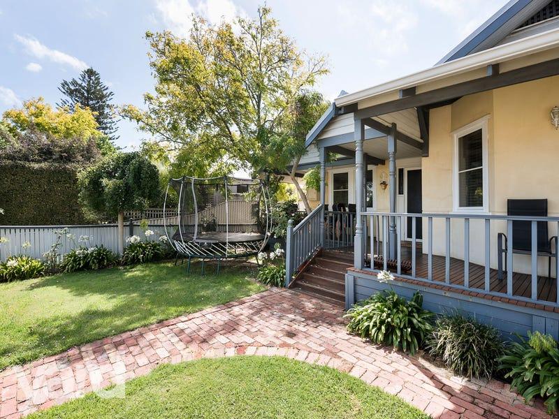 128 Marmion Street, East Fremantle, WA 6158