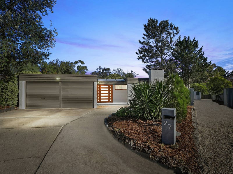 27 Bruxner Close, Gowrie, ACT 2904