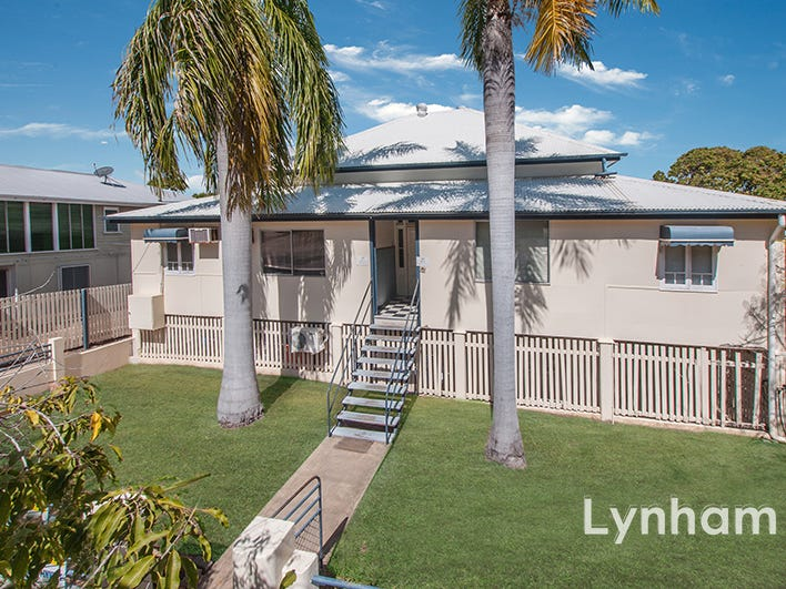 8 Stagpole Street, West End