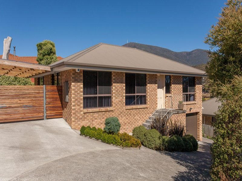 1/29 Cuthbertson Place, Lenah Valley, Tas 7008