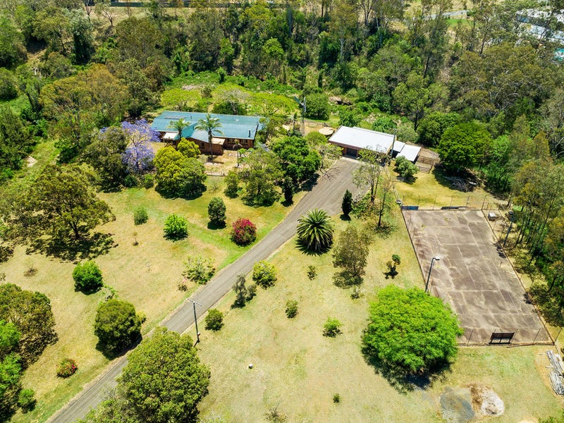18 Shorelands Drive, Withcott, Qld 4352