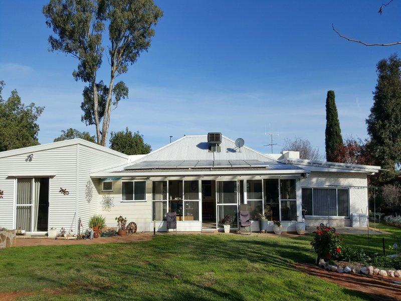 72 Banff Street, Corowa, NSW 2646
