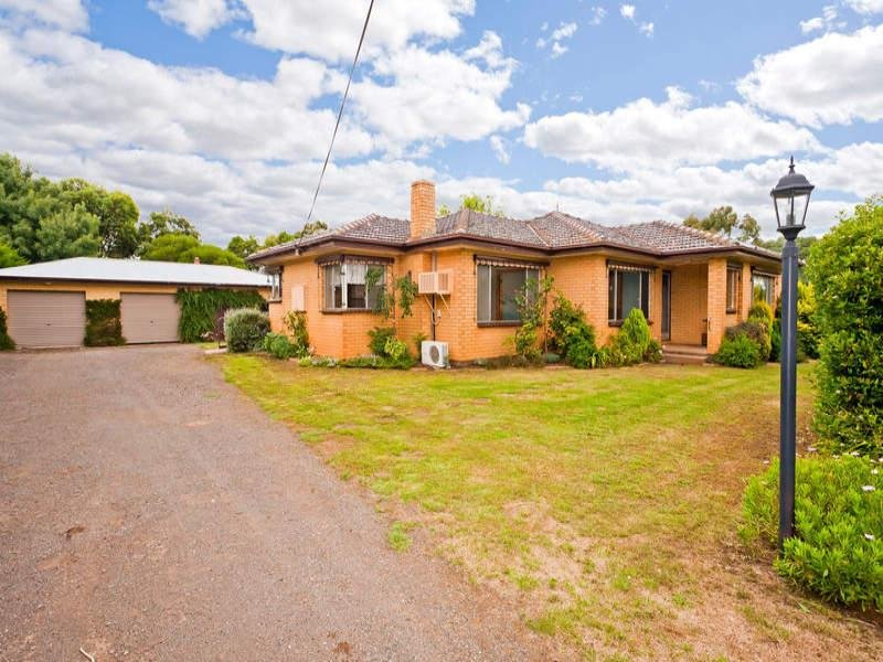 225 Larpent Road, Cororooke, Vic 3254
