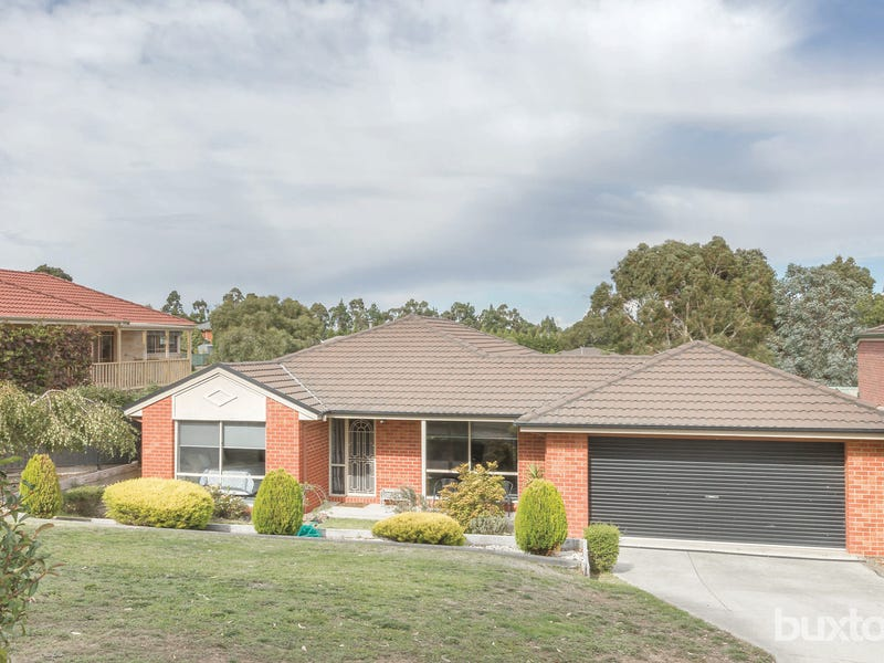 2 Manna Gum Heights, Mount Pleasant, Vic 3350