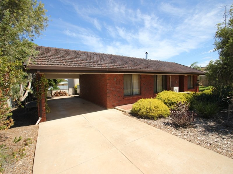 2 Lyndon Avenue, Moonta Bay, SA 5558