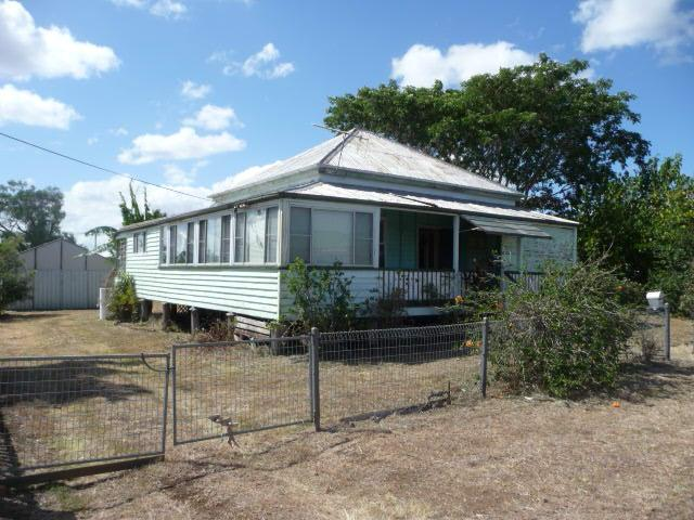 17 BROOKES STREET, Biggenden, Qld 4621