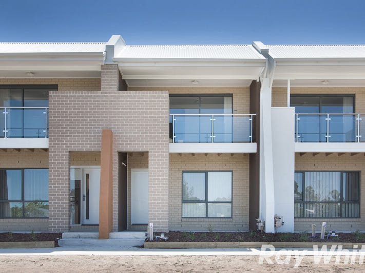 4/7 Cyan Crescent, Officer, Vic 3809