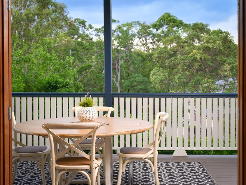 1 Mountain Ash Place, Brookwater, Qld 4300