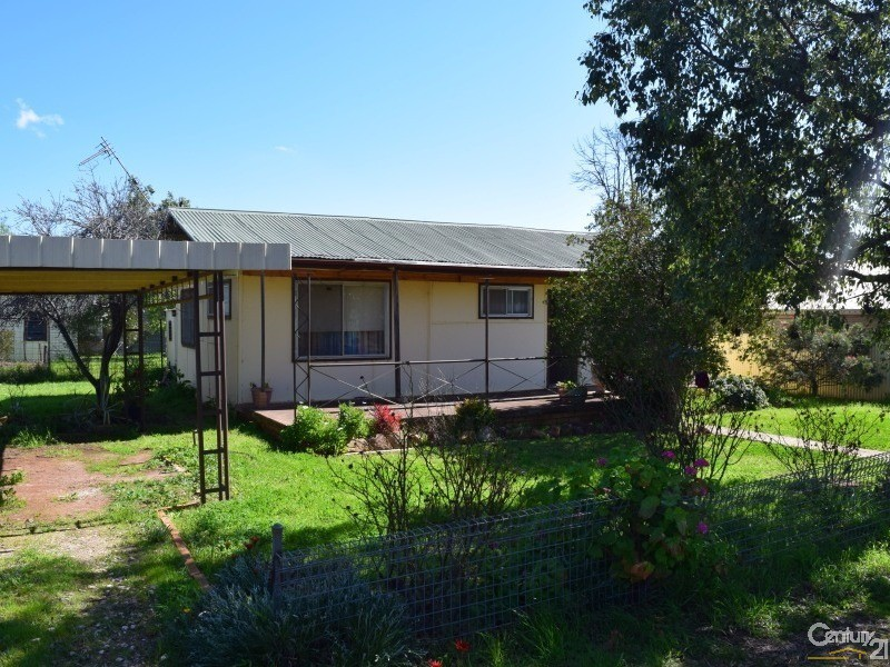 12 Kitchener Street, Tullamore, NSW 2874