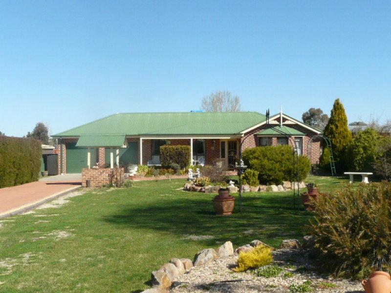 8 Loren Street, Eglinton, NSW 2795