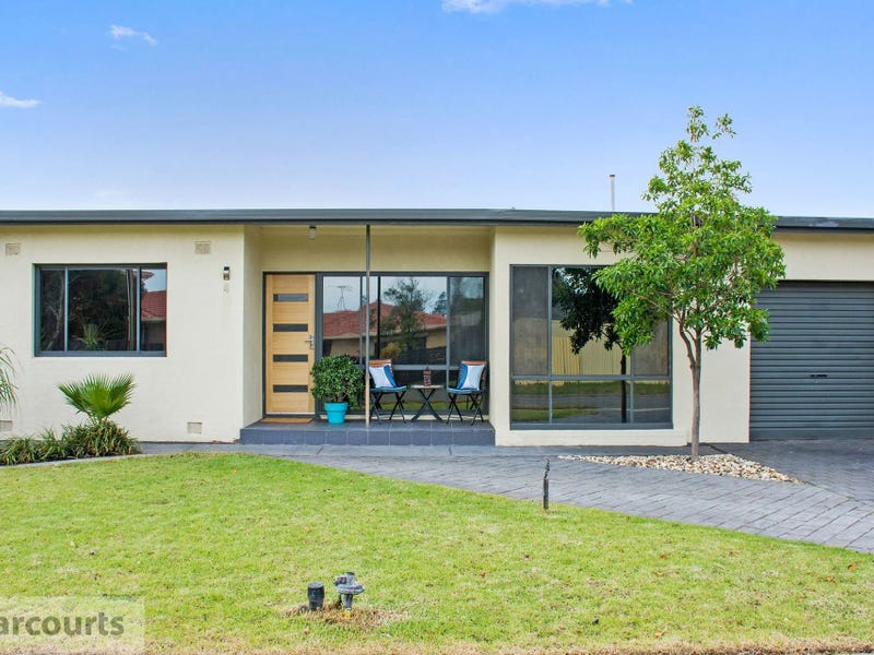 4 Brooklyn Terrace, North Haven, SA 5018