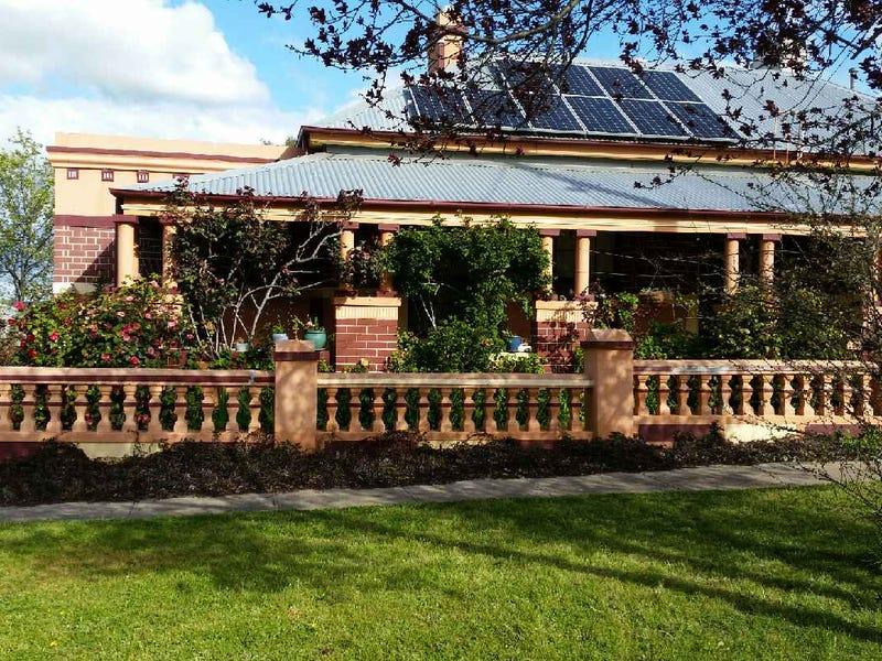 24 Torch Street, Bathurst, NSW 2795