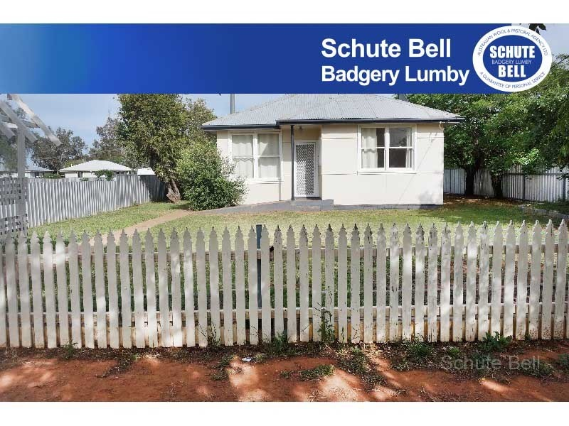23 Campbell Street, Trangie, NSW 2823