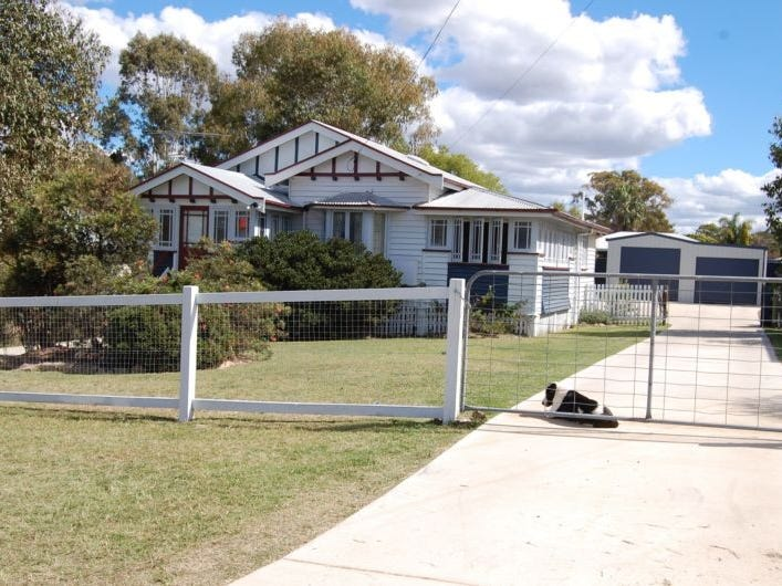 40 Furness Crescent, Warwick, Qld 4370