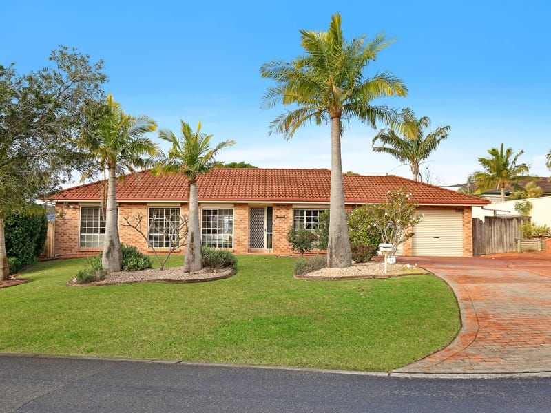 15 Ashton Vale Grove, Horsley, NSW 2530