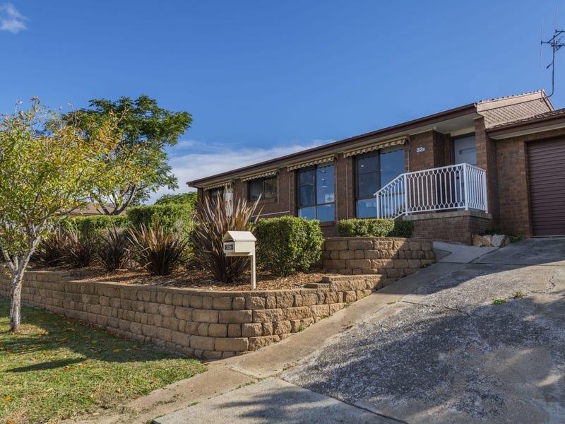 32B  Delmar Crescent, Queanbeyan, NSW 2620