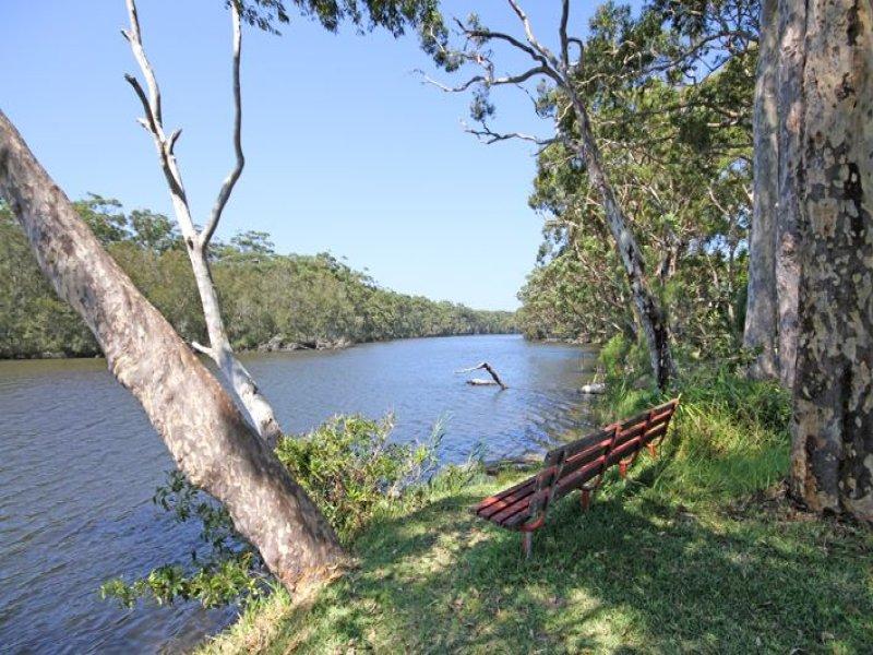 26 Princes Highway, Lake Tabourie, NSW 2539