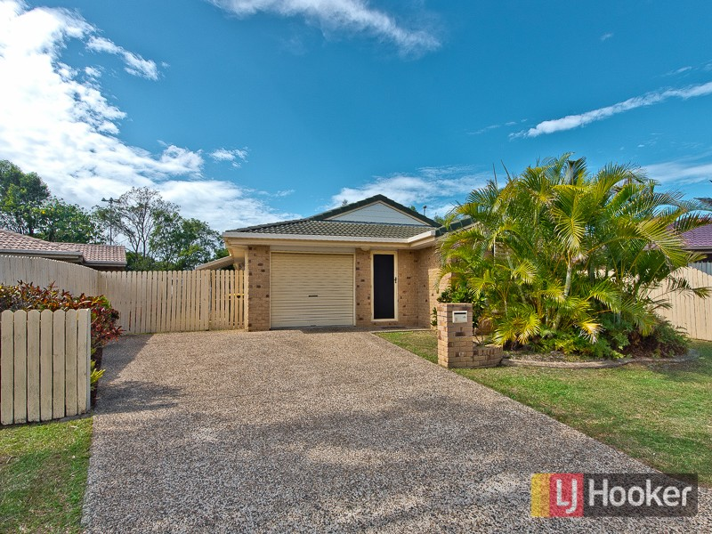 8 Boronia Place, Fitzgibbon, Qld 4018