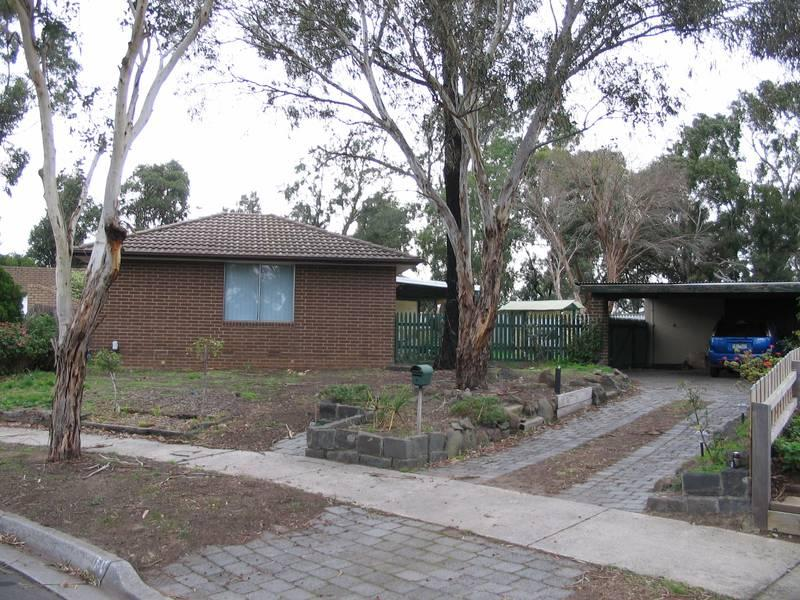 4 Wakeful place, Mill Park, Vic 3082