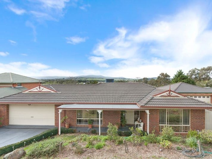 8 Cockatoo Drive, Whittlesea, Vic 3757