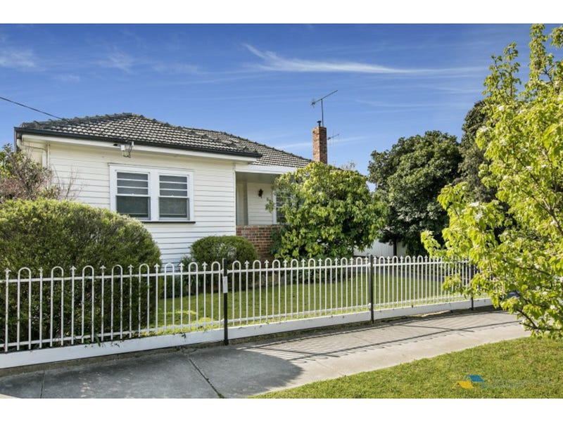 54 Chum Street, Golden Square, Vic 3555