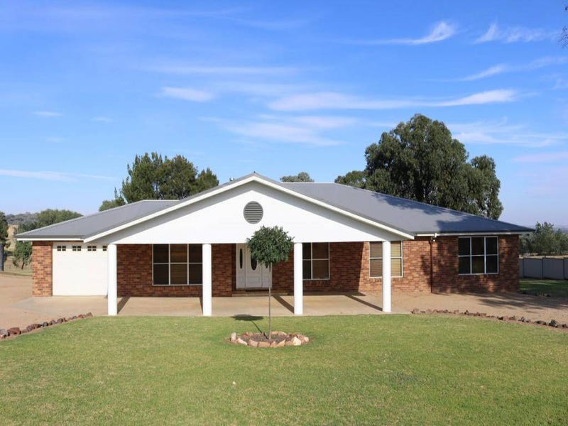80 Saines Road, Young, NSW 2594