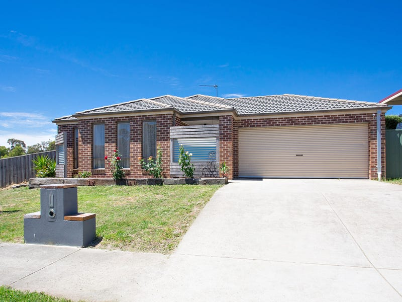 4 Brookside Drive, Mount Clear, Vic 3350
