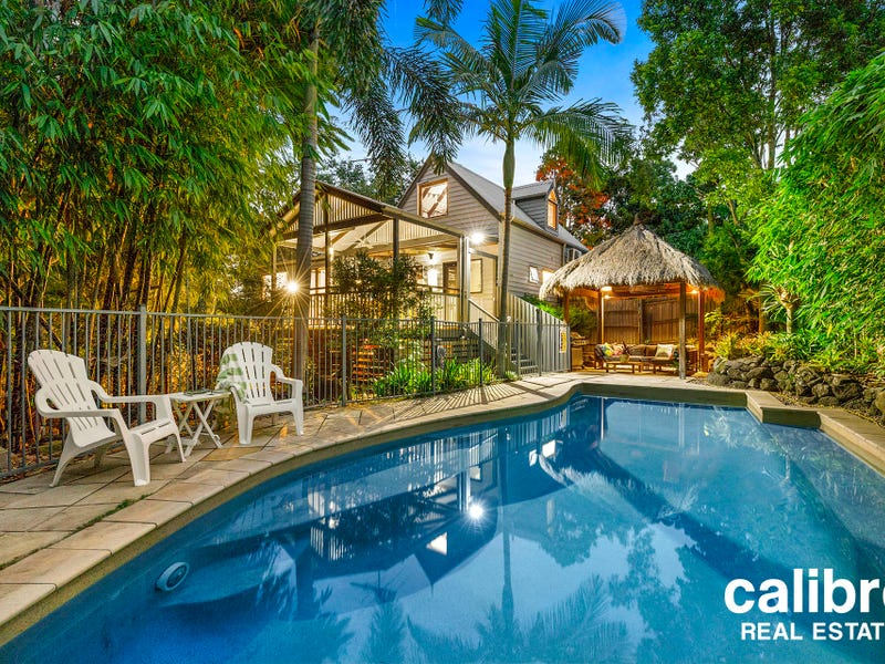4 Tonnere Court, Eatons Hill, Qld 4037
