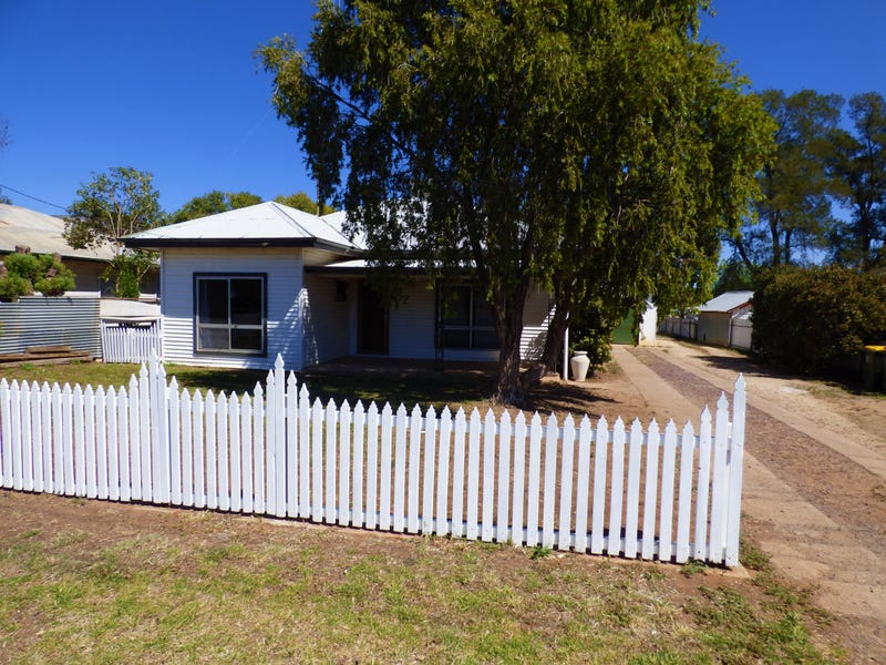 52 Farnell Street, Forbes, NSW 2871