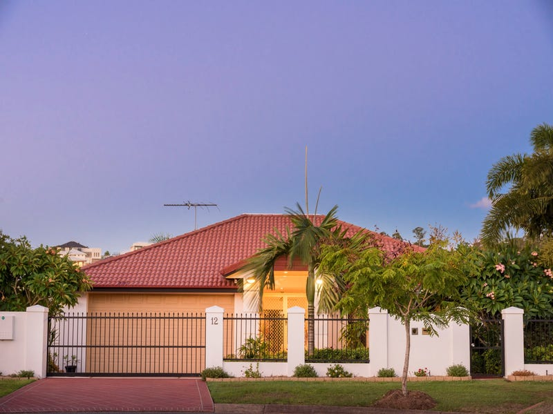 12 Arncliffe Close, Carindale, Qld 4152