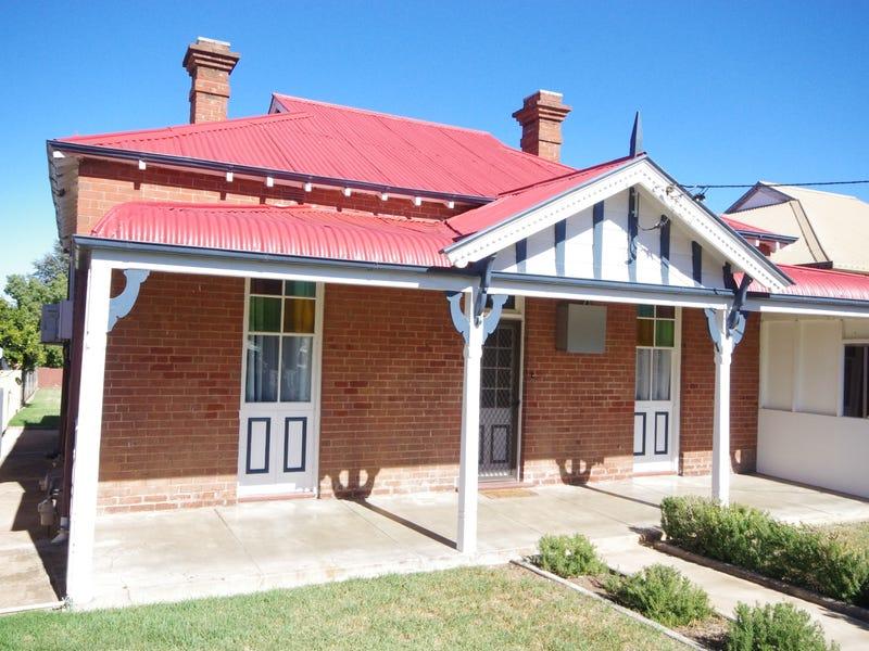 11 Vaux Street, Cowra, NSW 2794